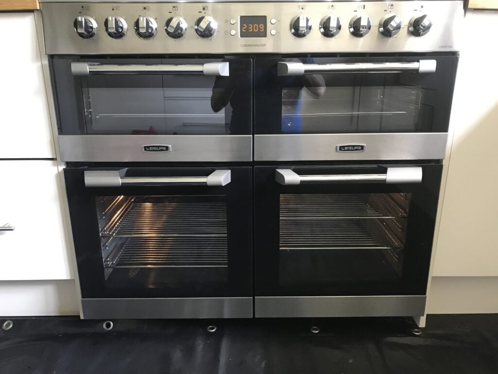 Leisure Cuisine Master Oven Cleaning Looking Sparkling Clean By Ovenmagic